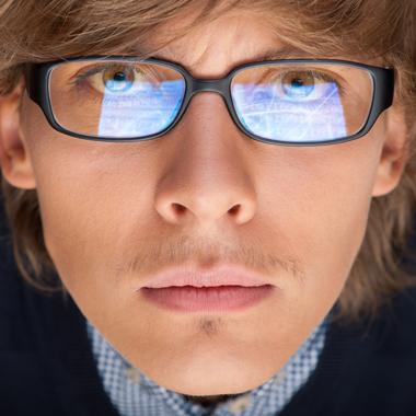 Dioptriás vagy dioptria nélküli monitorszűrő szemüveg  150 féle keret +  Hoya szemüveglencse + karcmentesítő eb89166ab3